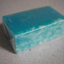 ペパーミントが爽やかに香るLUSHのバスソープ「アイシングブルー」を使ってみた
