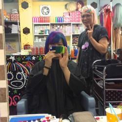 【派手髪】下北沢の美容室で紫とアフターミッドナイトに染めてもらった!【マニパニ】