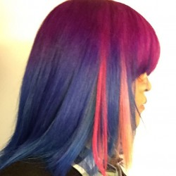 【派手髪】東京・下北沢の美容院で紫と青に染めて、ピンクのエクステを付けてもらった【マニパニ】