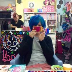 【マニパニ】青い派手髪の退色具合を毎日写真に撮って調べてみた【退色】