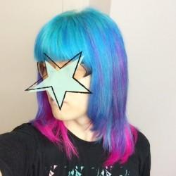 【派手髪】北千住の美容院rave Action and Hair!で青とピンクに染めてもらった【マニパニ】