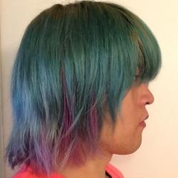 【マニパニ】緑&ピンクな派手髪の色落ち具合を日々写真で記録してみた