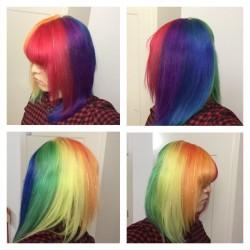 【派手髪】原宿の美容室キャンディシロップで髪色をレインボーに染めてもらった【マニパニ】