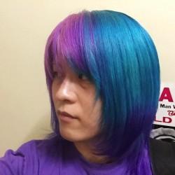 【派手髪】マニパニのブードゥーブルーとカラーバターのショッキングパープルで染めてもらった!