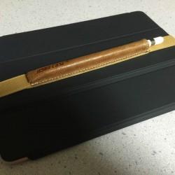 Apple Pencil用のバンド付きケースが紛失防止に便利!