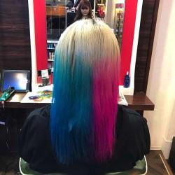 【派手髪】ハーレイクイン風の髪色に染めてもらいました